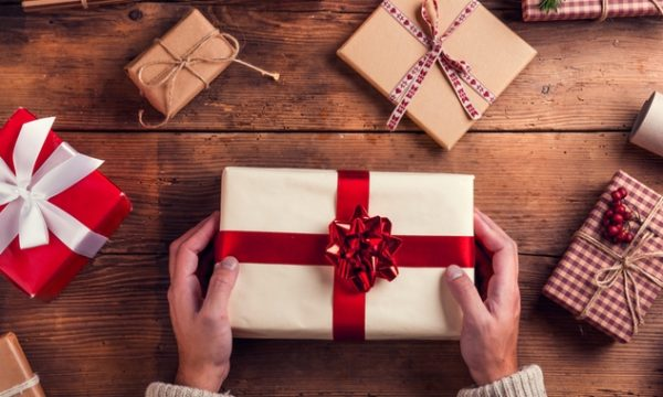 Giving tax-deductible and FBT-free Christmas gifts