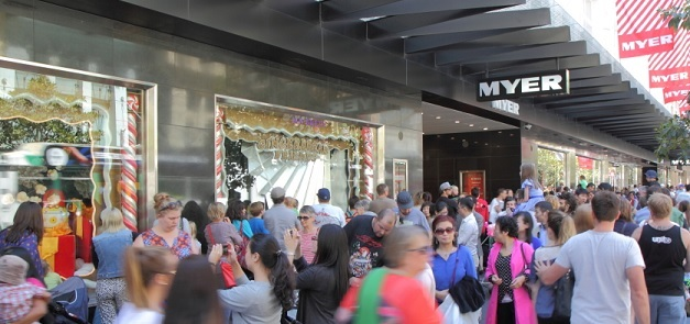 Retailer and Christmas shopping