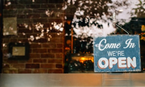 4 people you need when opening your first retail store