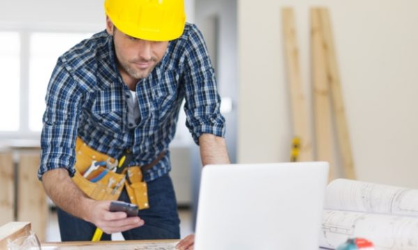 5 ways to use tech in your construction business to save time and money