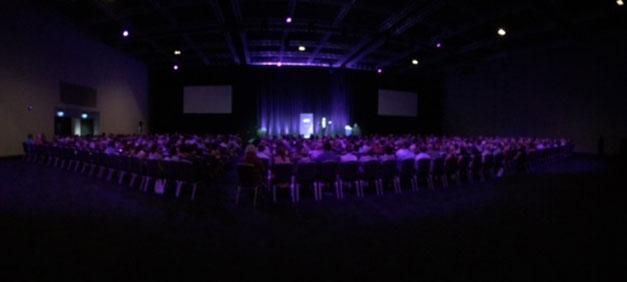 A very purple audience